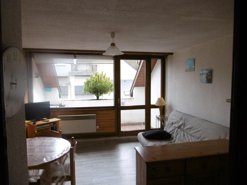 appartement 2 etoiles 4-5 personnes, casa vacanza a Tramezaigues