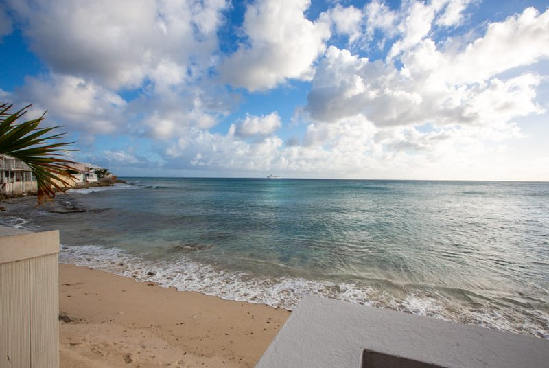 Burgeoux Villa... Comfortable Beach front home, walk to Maho or Simpson Bay bea, holiday rental in Sint Maarten
