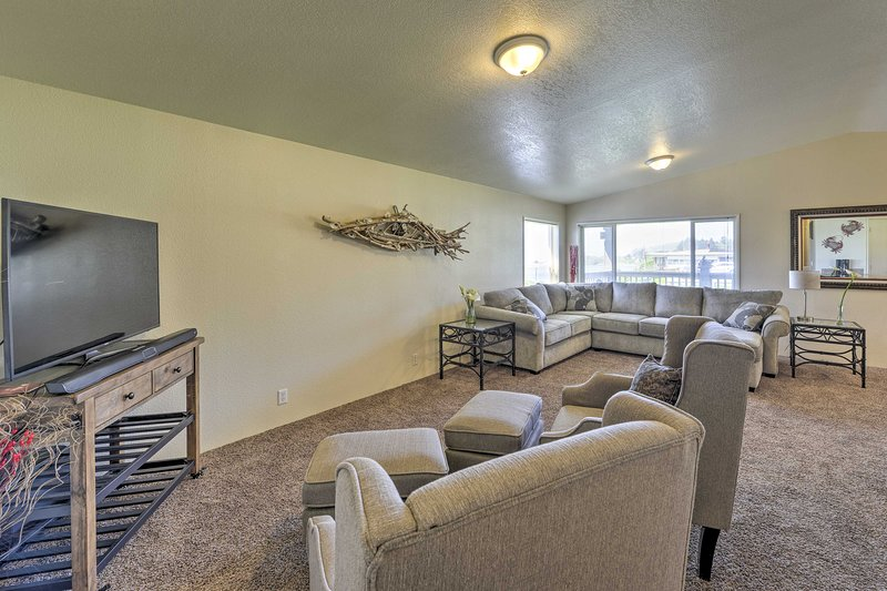 Book a trip to this cozy 2-bedroom, 2-bathroom vacation rental home for 4!