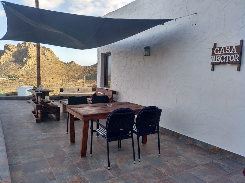 Esta es la terraza,es muy amplia y cómoda y con vistas