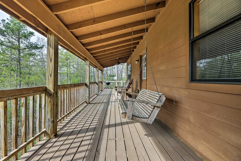 Enjoy the best of Mountain View from this home-away-from-home.