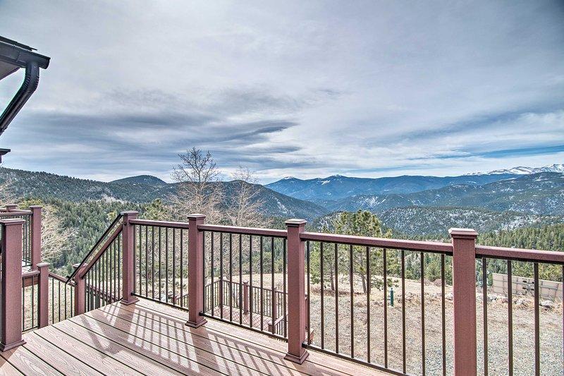 Usted será tratado con vistas incomparables de las montañas rocosas.
