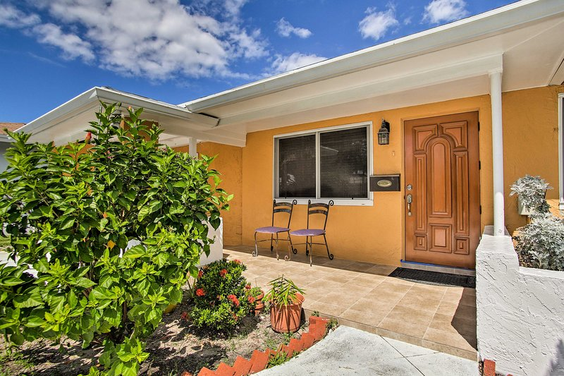 Make this studio vacation rental your Pompano Beach home-away-from-home.
