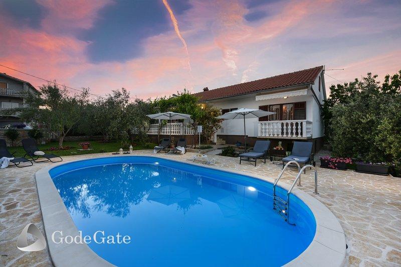 Villa Pine, vacation rental in Kukljica