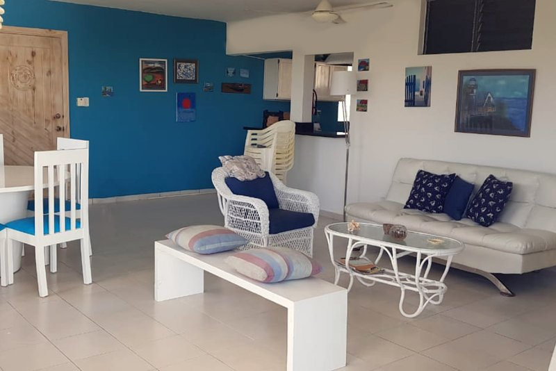 ★★★ Loris Place Juan Dolio ★★★ Apartamento completo cerca de la playa., holiday rental in San Pedro de Macoris