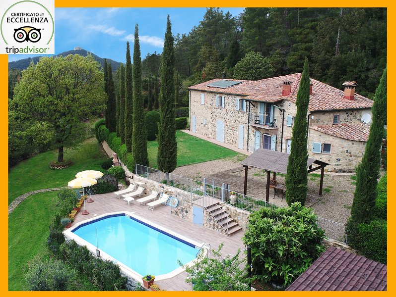 Tuscany Villa with pool - Villa le Capanne holday in private villas, vacation rental in Castelnuovo di Val di Cecina