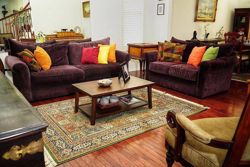 Deluxe Queen Suite in upscale neighborhood, casa vacanza a Ypsilanti