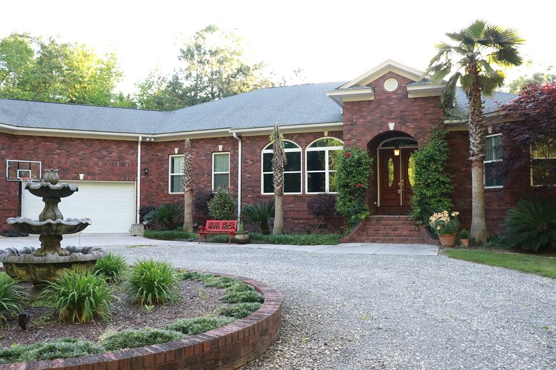 Luxury Country Living Home away from Home, alquiler de vacaciones en Ridgeville