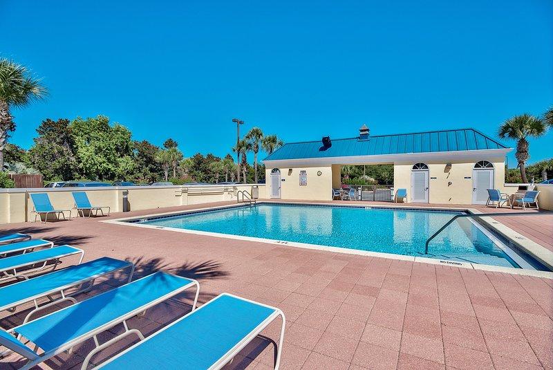 2a piscina sul lato nord dell'edificio