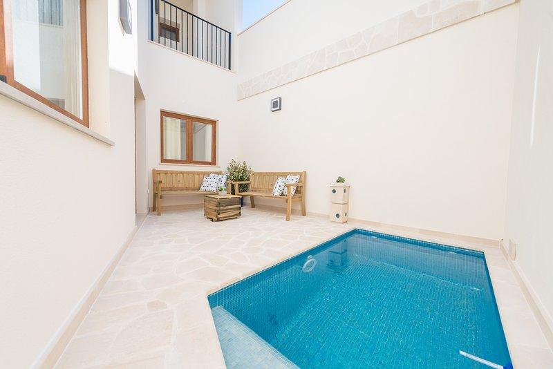ES CAMPANAR - Villa for 8 people in Santanyi, location de vacances à Santanyi