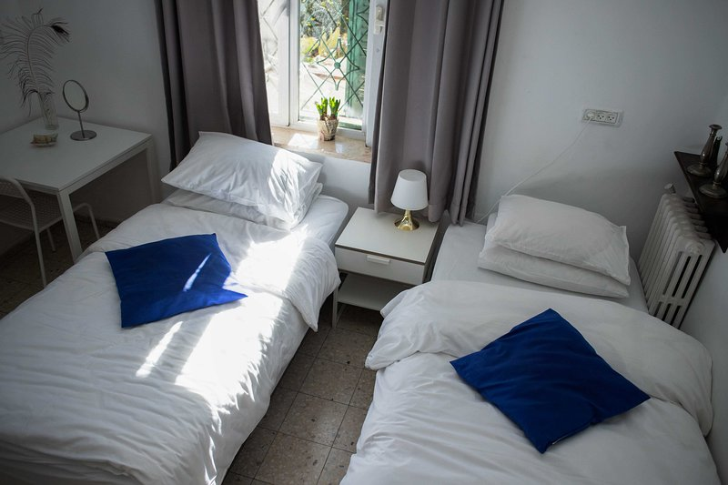 Tzefania Apartments 201, holiday rental in Binyamin Region