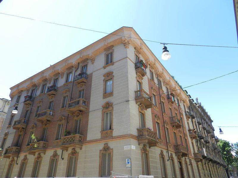 Governolo Palace Apartment 1, casa vacanza a Torino