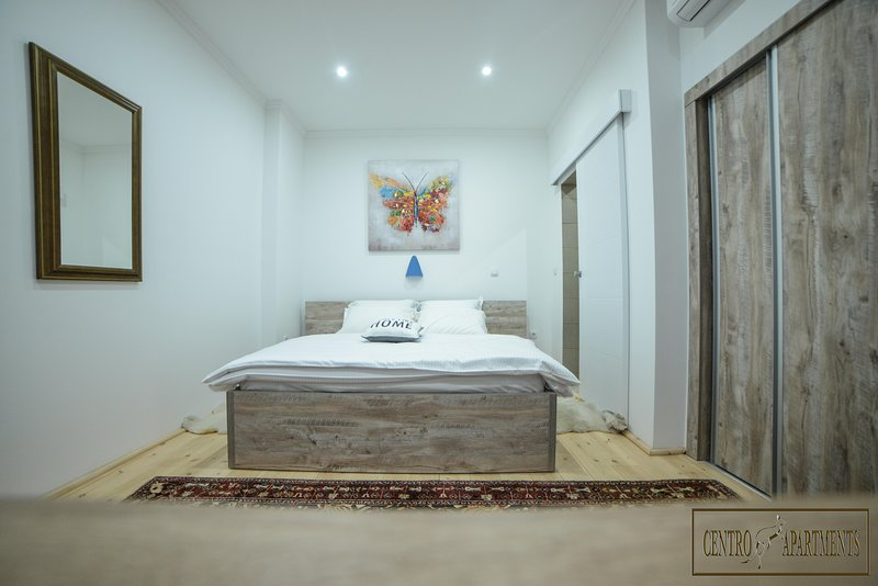Centro Apartment Standard Room for 2, holiday rental in Sabac