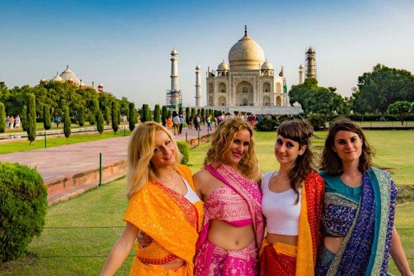 Friends Home Stay Agra, Ferienwohnung in Agra