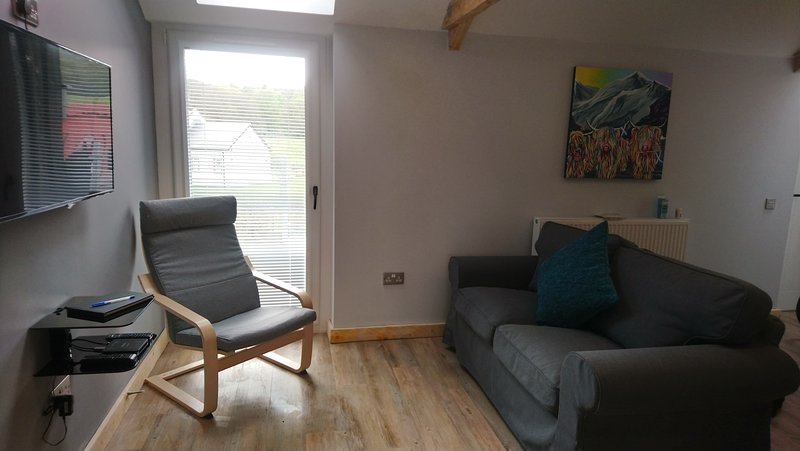 The Stables Upper Cottage 8, holiday rental in Langbank