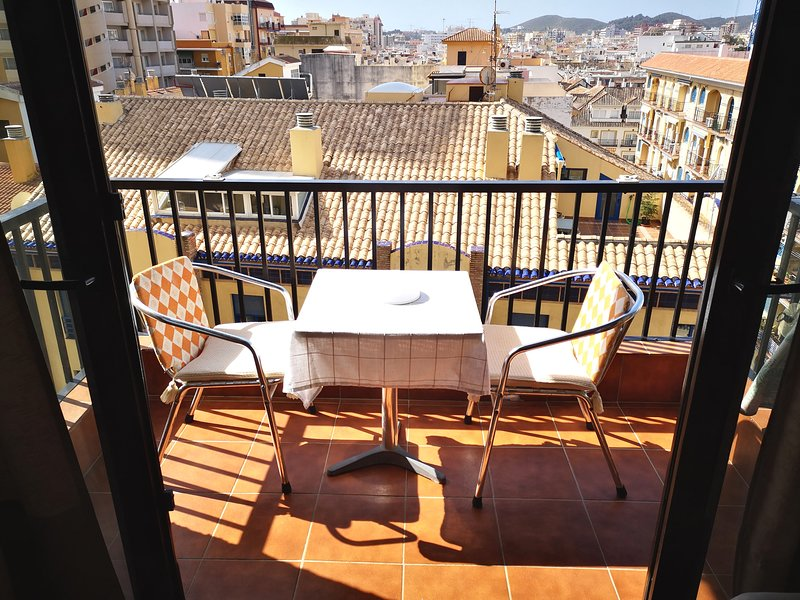 Terrace with lateral sea views. Southwest orientation, very sunny.