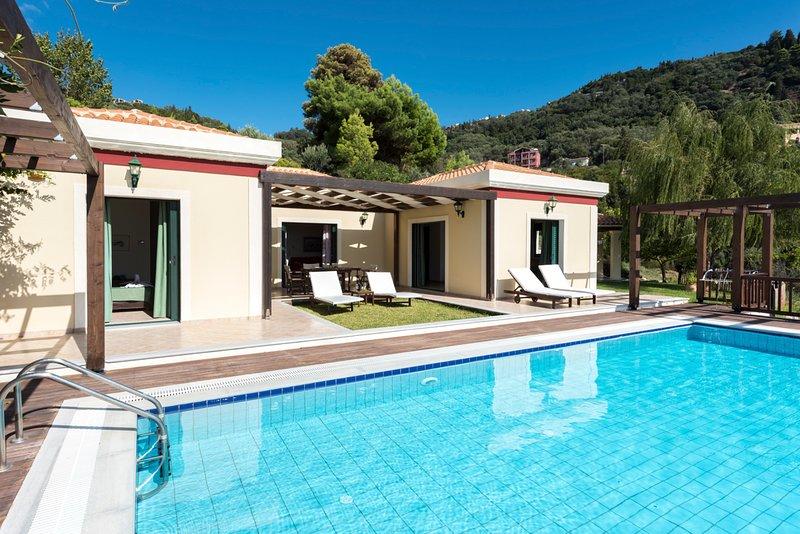 Pelekas Villa Sleeps 6 with Pool and Air Con - 5720383, holiday rental in Pelekas