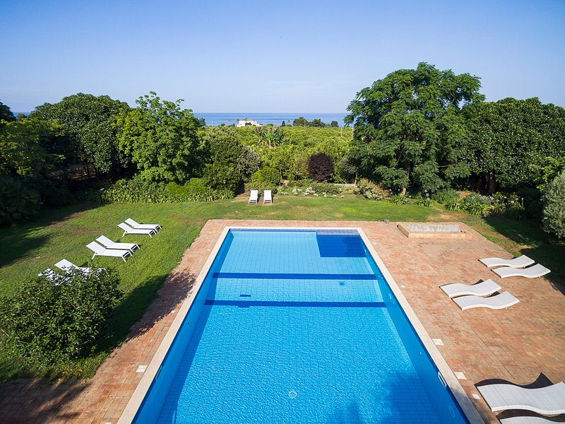 Stazzo Villa Sleeps 12 with Pool and Air Con - 5745813, vacation rental in San Leonardello