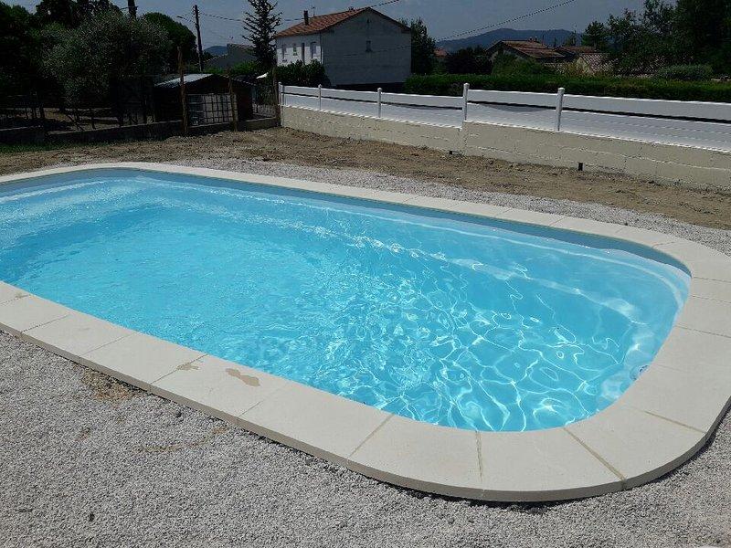 Foto non contrattuale, la piscina sarà finita a fine maggio 2019