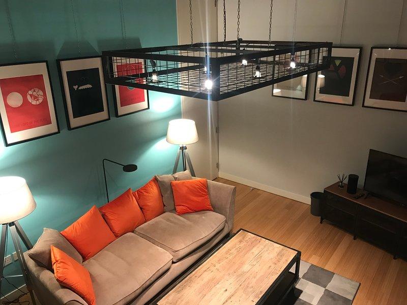 Lounge med högt tak