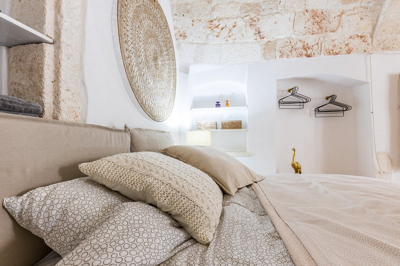 Casa Bixie Studio for 2 persons in the old town of Ostuni, vacation rental in Pascarosa