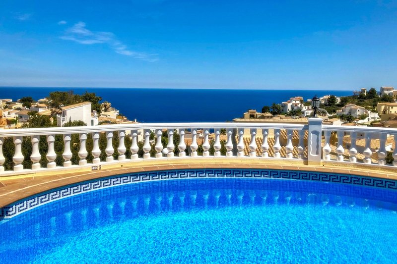 Jean - sea view villa with private pool in Benitachel, holiday rental in Benitachell