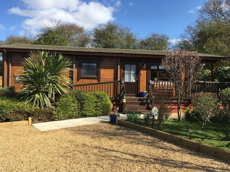 Cherry Lodge, Heacham, Norfolk.  Quiet location, 5 minutes walk from the beach., alquiler vacacional en Heacham