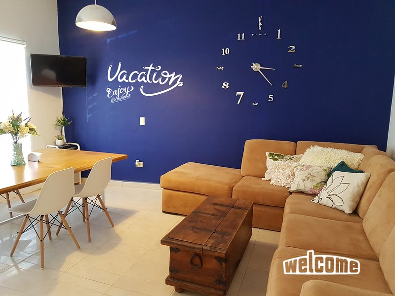 Very well equipped apartment in the heart of Mazatlan, 8 blocks from the beach!