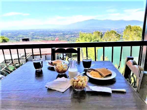 1 bedroom(1bed) Views! 20min to San Jose Airport .Free Cont. Breakfast  #5Apt – semesterbostad i Poas Volcano National Park