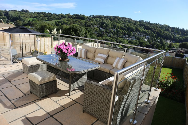 3 bed detached house GREAT VIEWS over Nailsworth, vacation rental in Nailsworth