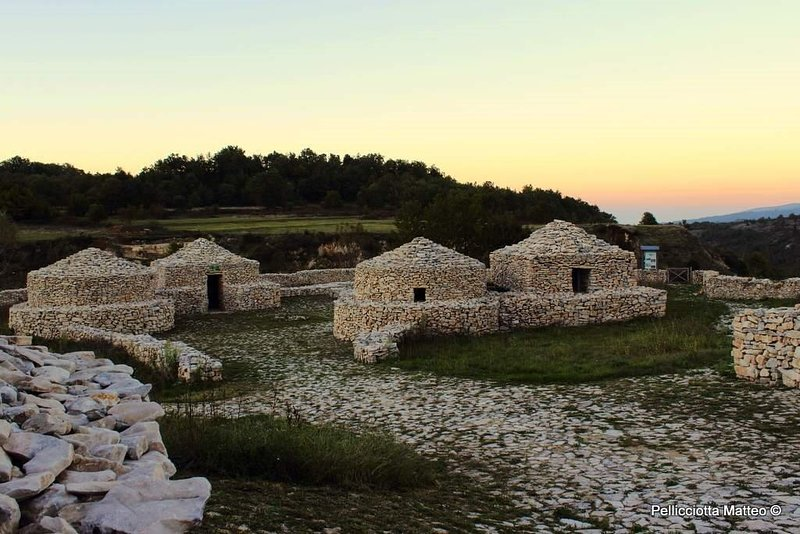 Nearby, the wonderful Palaeolithic archaeological complex of the Giumentina Valley.