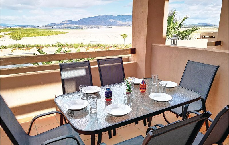 Stunning apartment in Alhama de Murcia with Outdoor swimming pool, WiFi and Outd, holiday rental in Cuevas de Reyllo