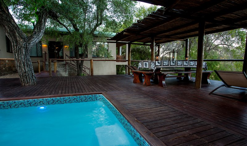 Ximongwe River Camp - HIPPO Cottage, vacation rental in Makalali Private Game Reserve