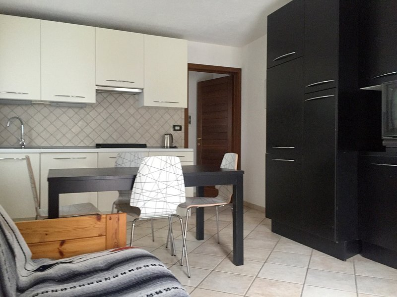 Charming new apartment in the heart of Aosta Valley - Free Wifi, vacation rental in Etroubles