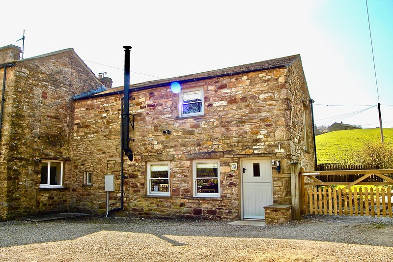 Charlie's Stable, Reeth Holiday Cottages, vacation rental in Yorkshire Dales National Park
