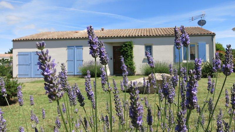 Lavender House at Les Lavandes, location de vacances à Arvert