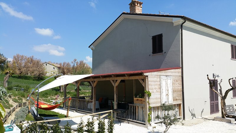 Casa Cingoli, appartement Girasole, holiday rental in Cingoli