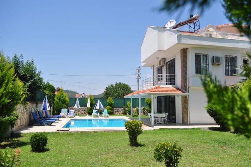 Villa Selin - Villa with private pool, Ferienwohnung in Ölüdeniz