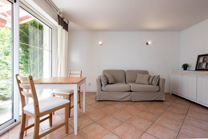 Studio classé 2* meublé de tourisme avec Terrasse en centre-ville de La Rochelle, alquiler vacacional en Puilboreau