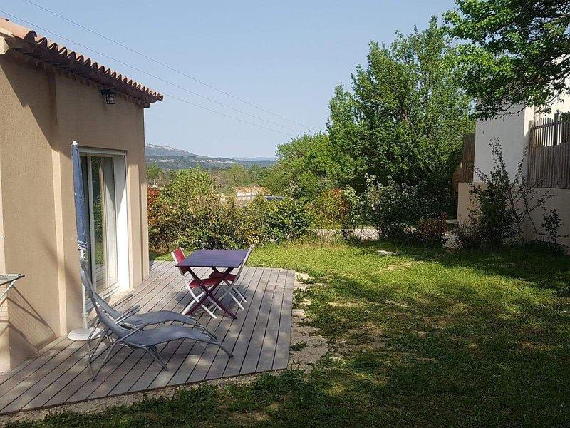 Cabanon de charme Proche Aix en provence, location de vacances à Meyreuil