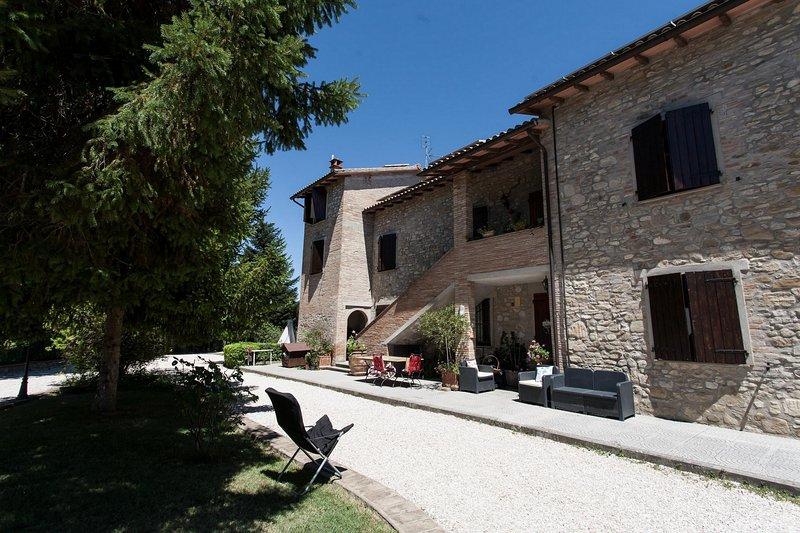 Podere Caldaruccio La Pineta - Torretta, vacation rental in Ramazzano