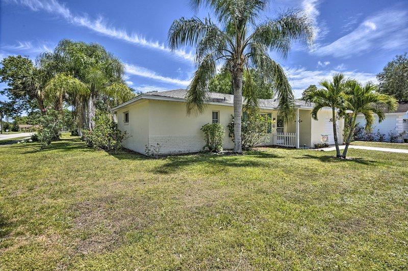 Les palmiers de la cour seront un rappel constant de votre emplacement tropical!