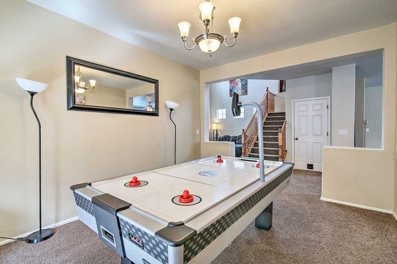 Dentro del alquiler de vacaciones, encontrarás un diseño espacioso, además de divertidas comodidades.