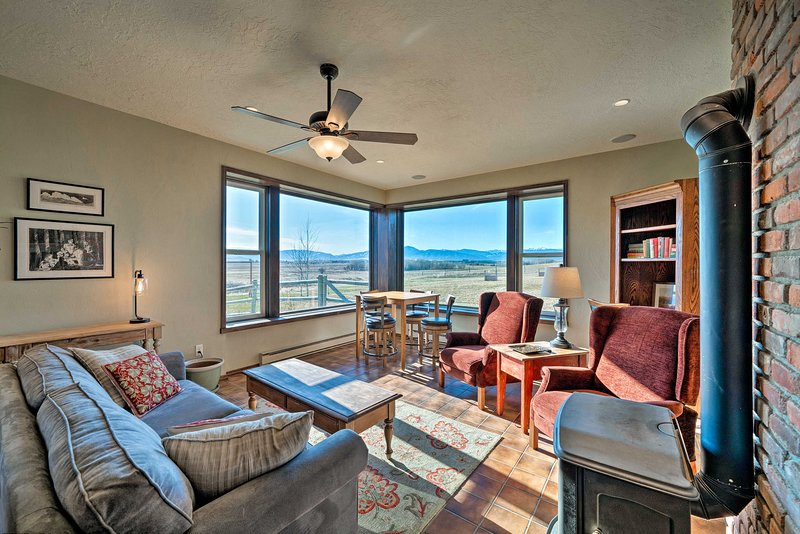 Bozeman Home on 11 Acres w/ Mountain Views!, holiday rental in Four Corners
