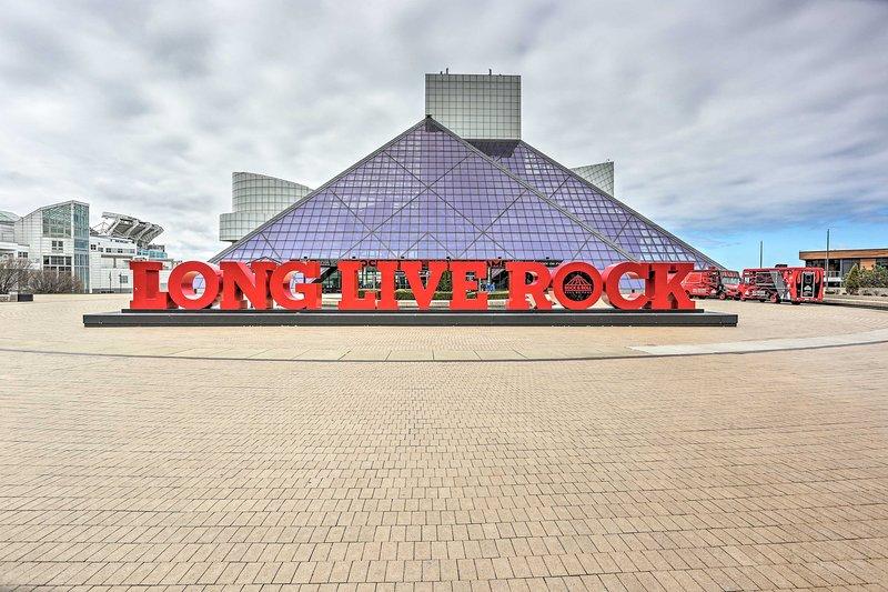 ¡Disfrute de una visita al Salón de la Fama del Rock & Roll!