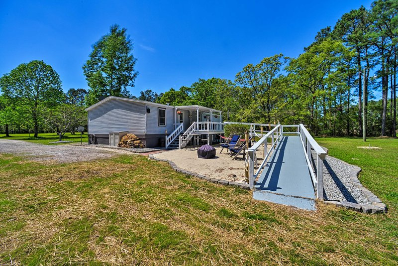 Dreamy 'Sunset Serenity' Home - 10 Min to Oriental, holiday rental in Grantsboro