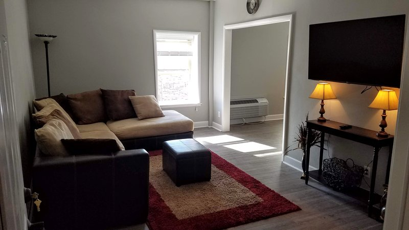 This modern 1 bedroom apartment includes off-street parking, private 5G wifi, complementary laundry