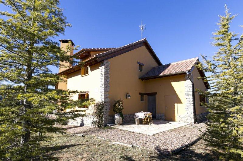 Casa Rural Las Tinajas 284514, holiday rental in Rubielos de Mora