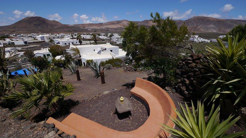 Casa Consultorio, Bergsitzplatz mit Blick über die Finca Lanzarosy