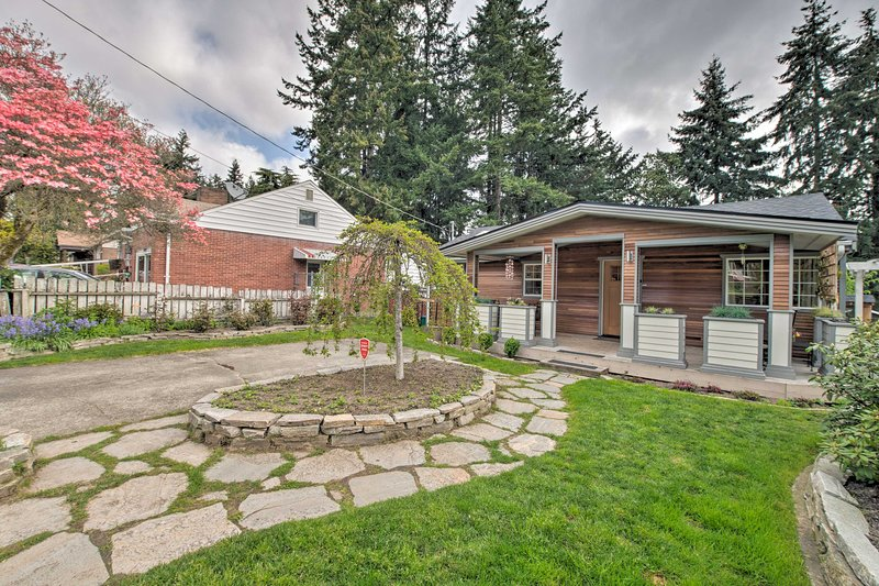 Experience the best of Seattle from this charming vacation rental house.